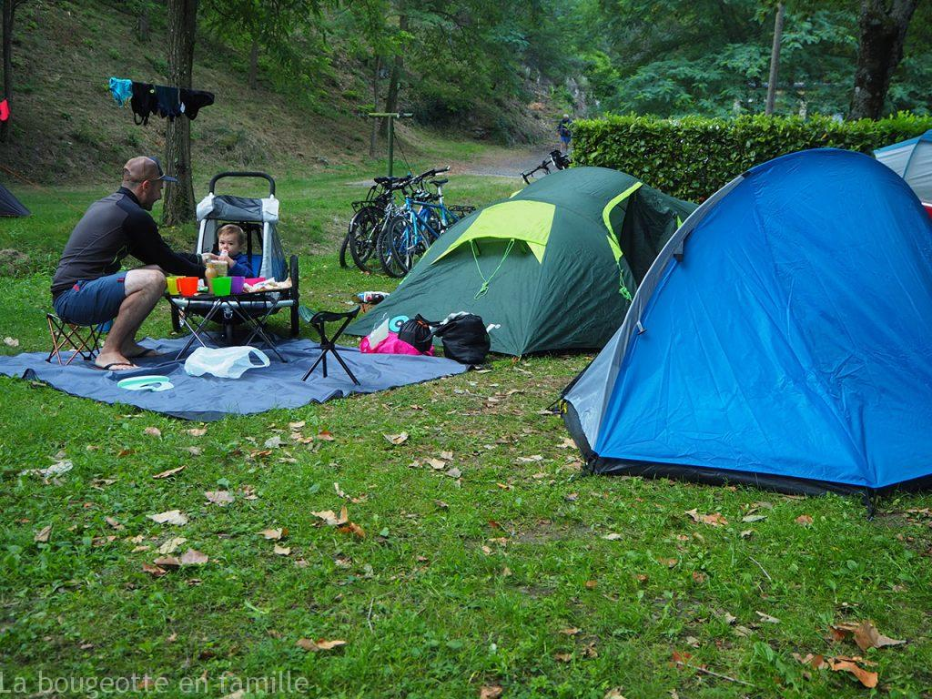 cyclocamping-famille-dolce-via-ardeche