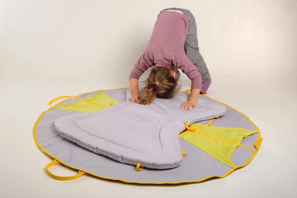 un tapis de sol pour la gym et les roulades