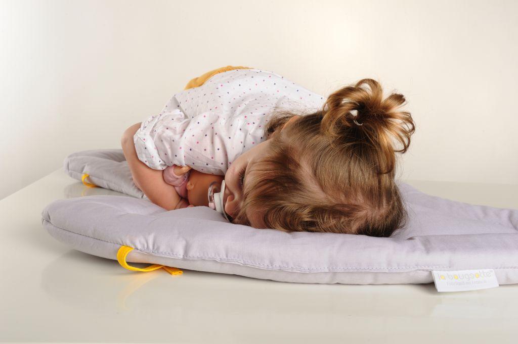 Le matelas doudou s'emporte partout pour une sieste improvisée