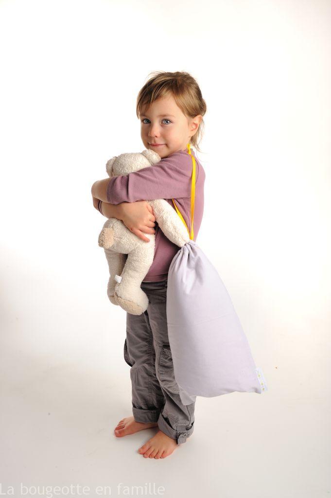 le matelas bébé et sac de rangement