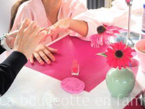 organiser-un-anniversaire-girly-vernis-manucure