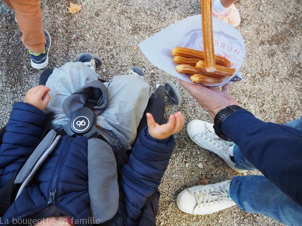 gerone-en-famille-enfant-fete-foraine-churros