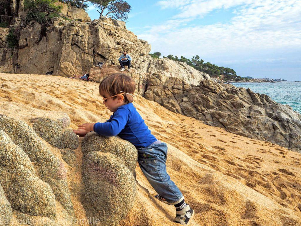roadtrip-costa-brava-automne-enfant-plage