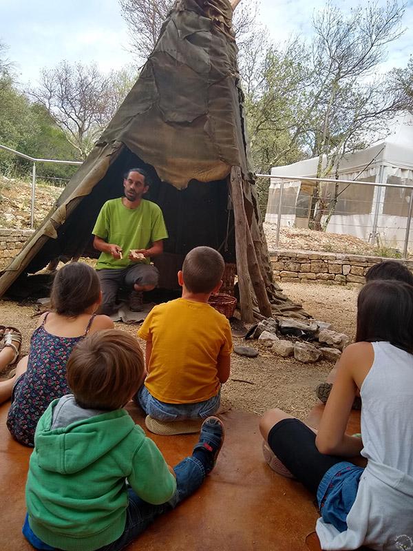 atelier-feu-cite-prehistoire-orgnac-ardeche-en-famille