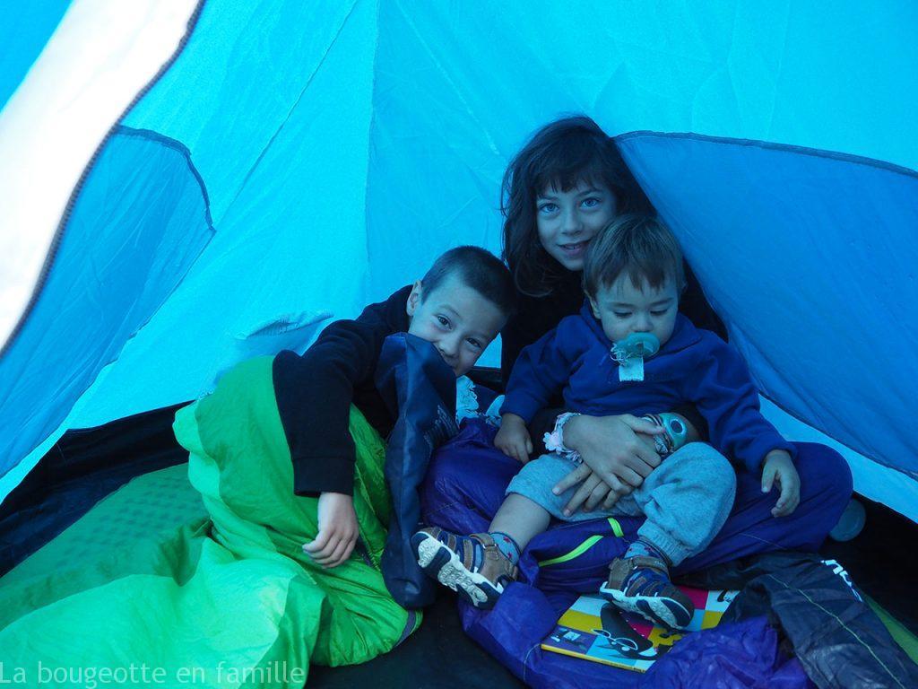 camping-enfant-tente