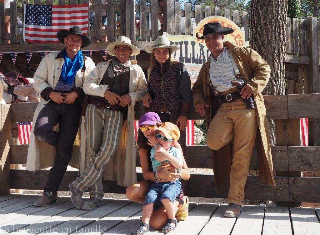 ok-corral-famille-spectacle-equestre-cowboys-indiens