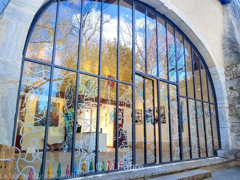 street-art-enfants-montpellier-verriere