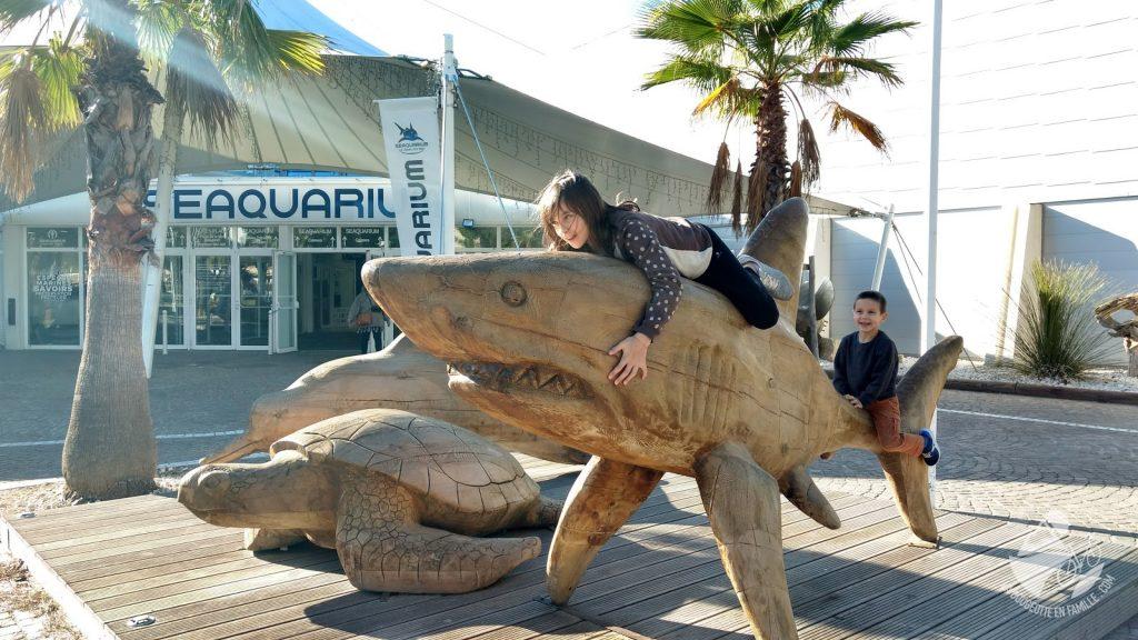 seaquarium-grau-du-roi-enfants-requin