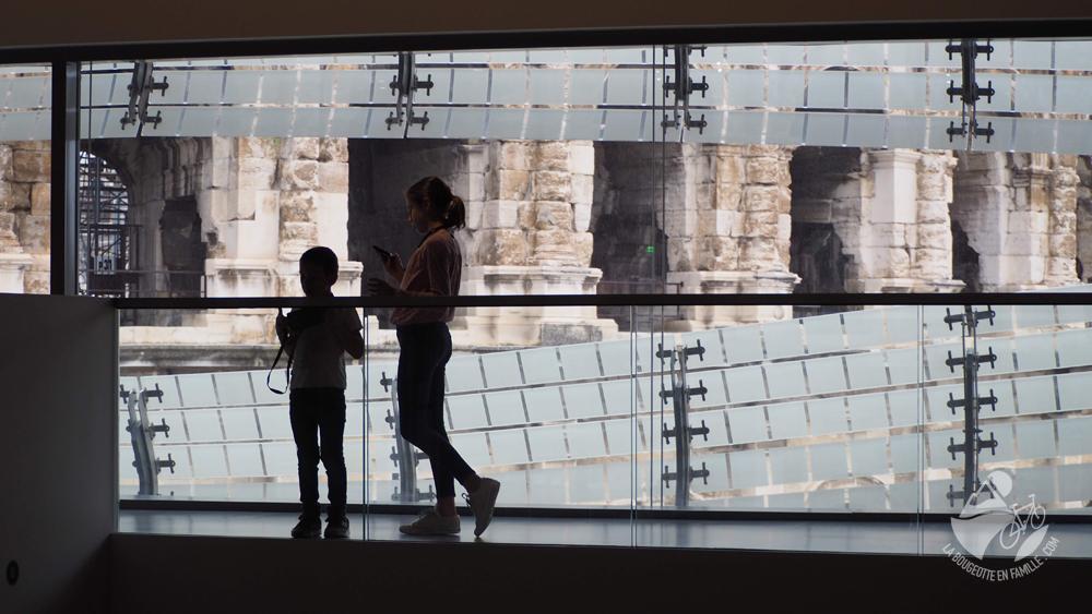 enfants-musee-romanite-arenes