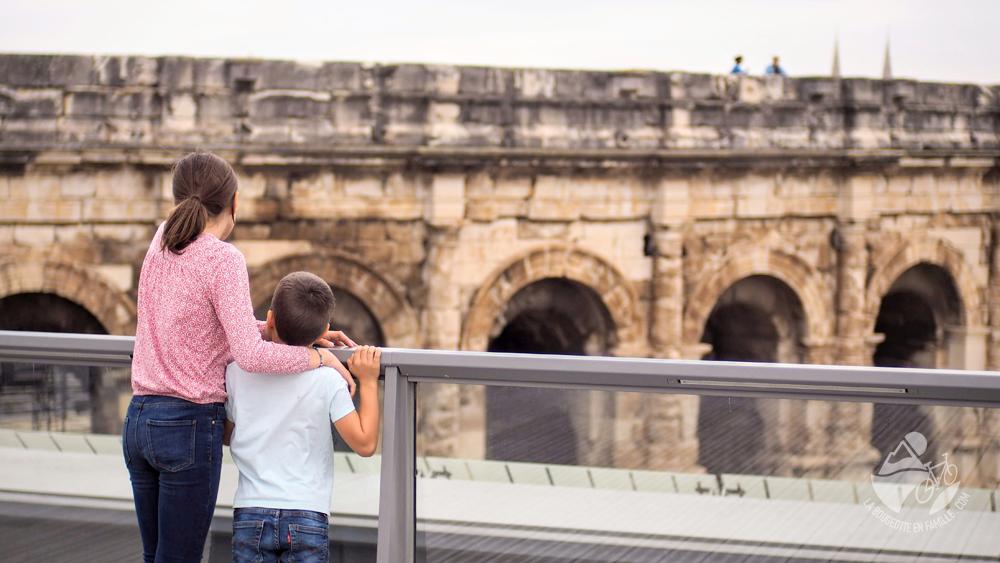 enfants-musee-romanite-toit-panoramique