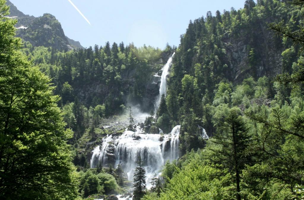 cascade ars, ariege, pyrénées, occitanie