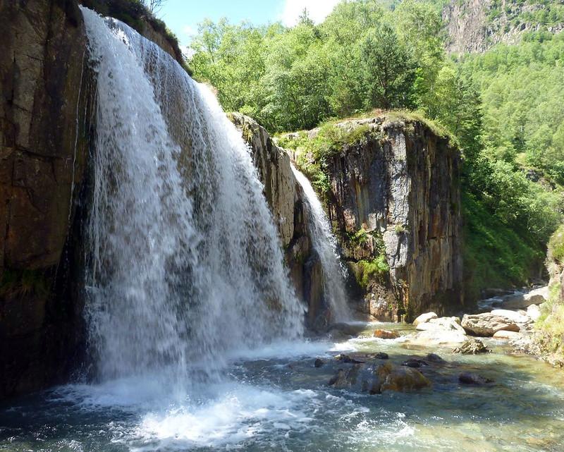cascade artigue, ariege, couserand, occitanie, pyrénées