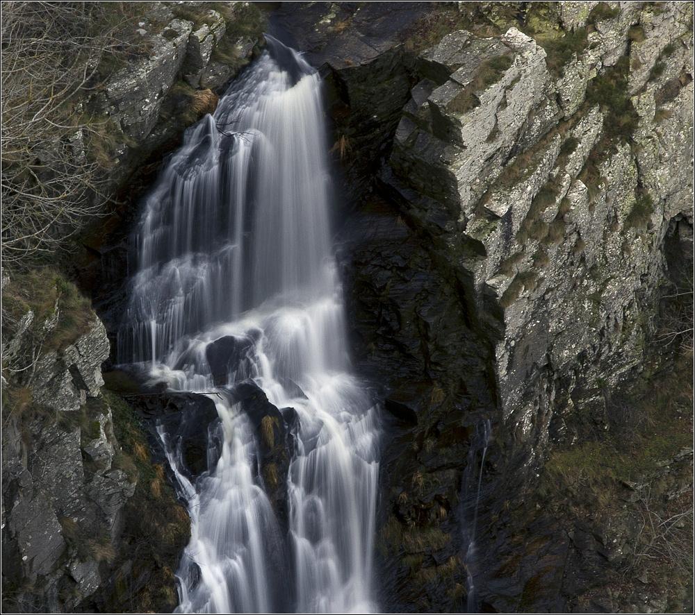 cascade de cubservies, aude, occitanie